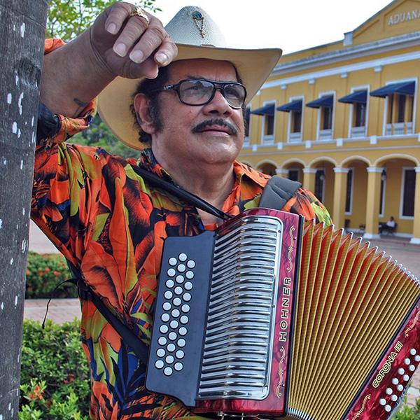 Los 85 de Aníbal Velásquez, 'El Mago del acordeón'